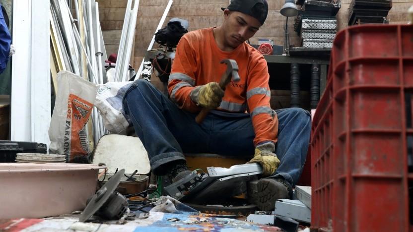 Recycling von Elektroschrott in Peru