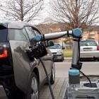 TU Graz: Der Roboter als E-Tankwart