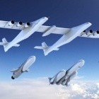 Stratolaunch: Riesenflugzeug bekommt eigene Raketen