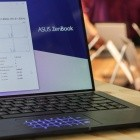 Asus Zenbook 13 angeschaut: Das rahmenlose Ultrabook mit der Hochstelltastatur
