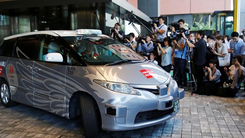 Das autonome Taxi auf der Basis eines Toyota Estima Hybrid