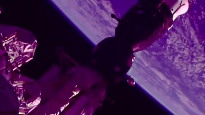 Im vorderen Teil dieses Sojus Raumschiffs an der ISS muss sich das Leck gebildet haben.