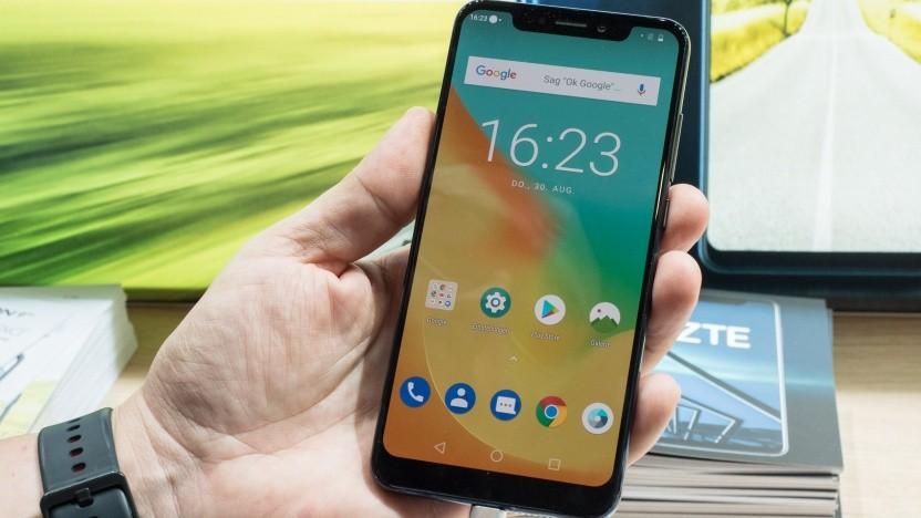 Das ZTE Axon 9 Pro mit seiner nahezu unveränderten Android-Oberfläche