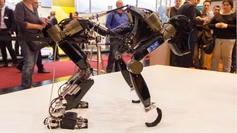 Affenroboter Charlie (auf der Cebit 2014): noch nicht für die interplanetare Forschung geeignet
