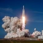 Raumfahrt: SpaceX hat ersten Mondflug verkauft