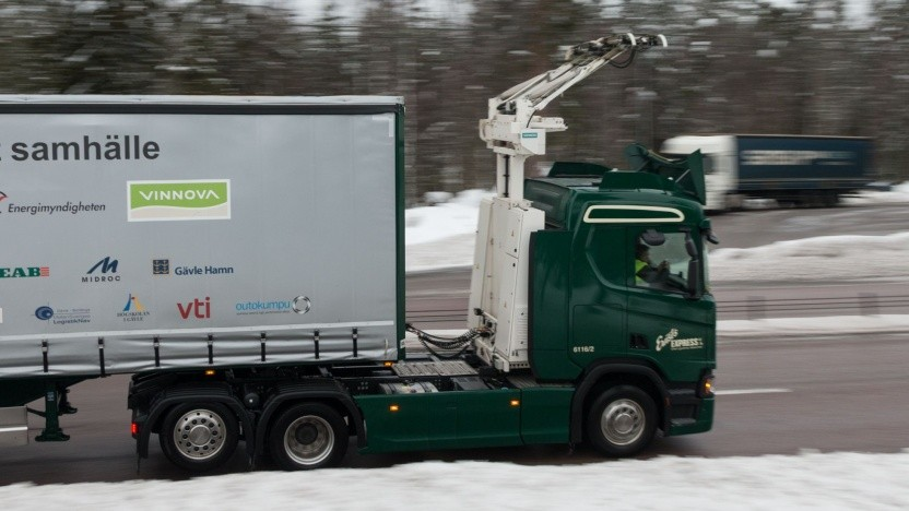 Elektro-Lkw mit Stromabnehmer (in Schweden): Geringere Betriebskosten machen höhere Anschaffungskosten wett.
