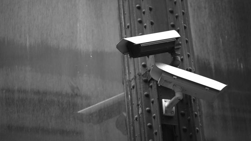 Wegen Sicherheitslücken in einer Videoüberwachungssoftware kann auf die Bilder der Kameras zugegriffen werden.