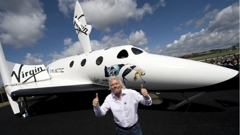 Richard Branson mit dem Spaceship Two: erster Satellitentransport im kommenden Winter