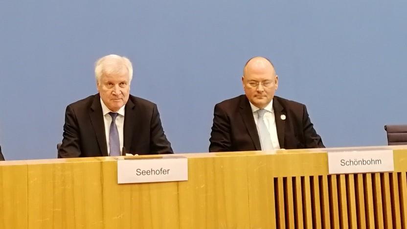 Innenminister Horst Seehofer (CSU) und BSI-Präsident Arne Schönbohm