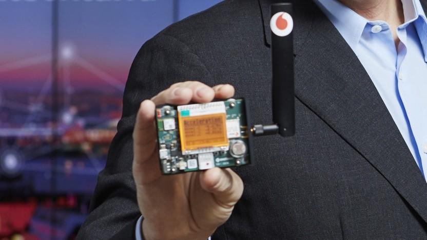 Vodafone-Chef Hannes Ametsreiter zeigt IoT.
