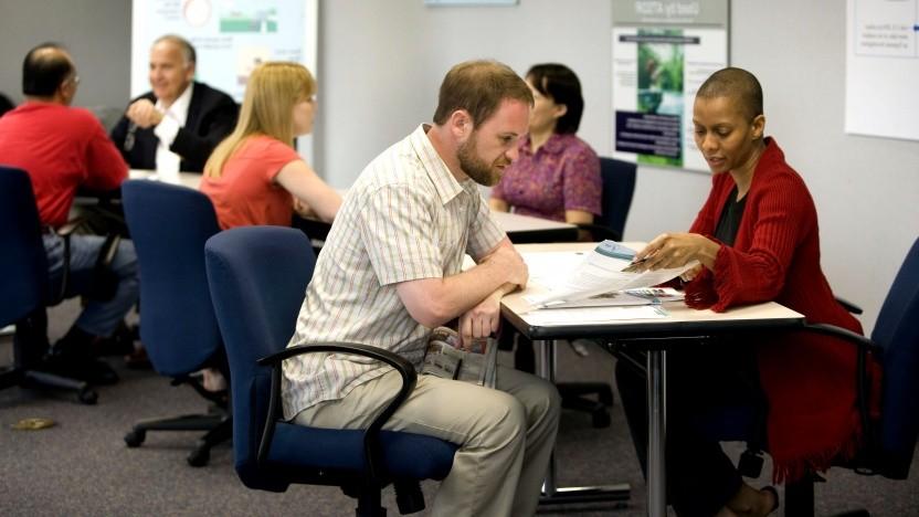 Entscheidungen werden in Ämtern zunehmend ohne menschliche Beteiligung vorbereitet oder getroffen.