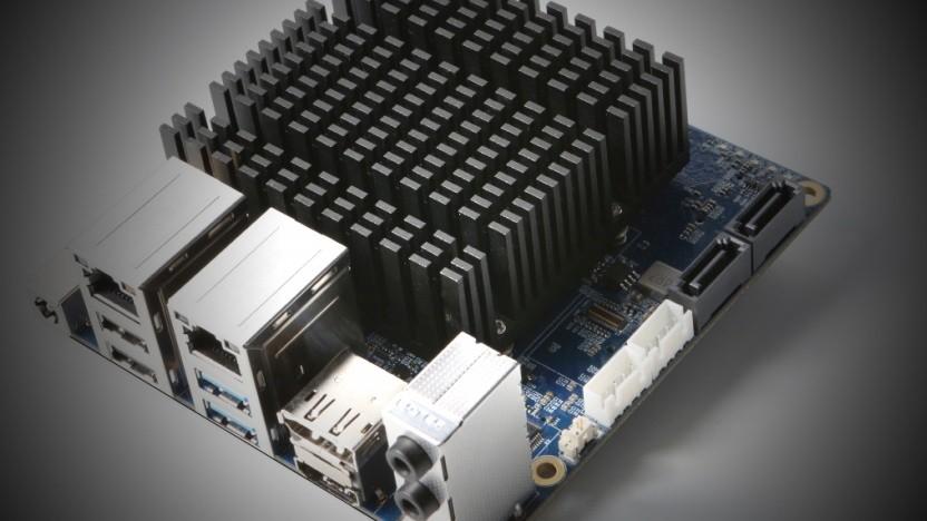 Der H2 ist passiv gekühlt und kleiner als ein Mini-ITX-Board.