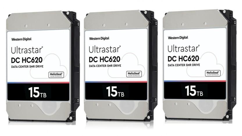 Drei Ultrastar DC HC620 nebeneinander