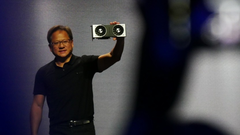 Nvidia-CEO Jensen Huang zeigt die Geforce RTX 2080 Ti