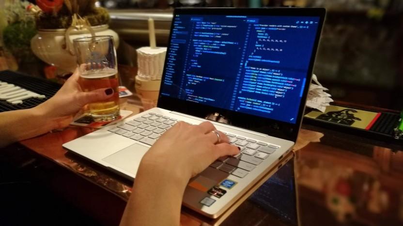 Bei Women Who Code tauschen sich Frauen über Programmierung aus - und mehr.