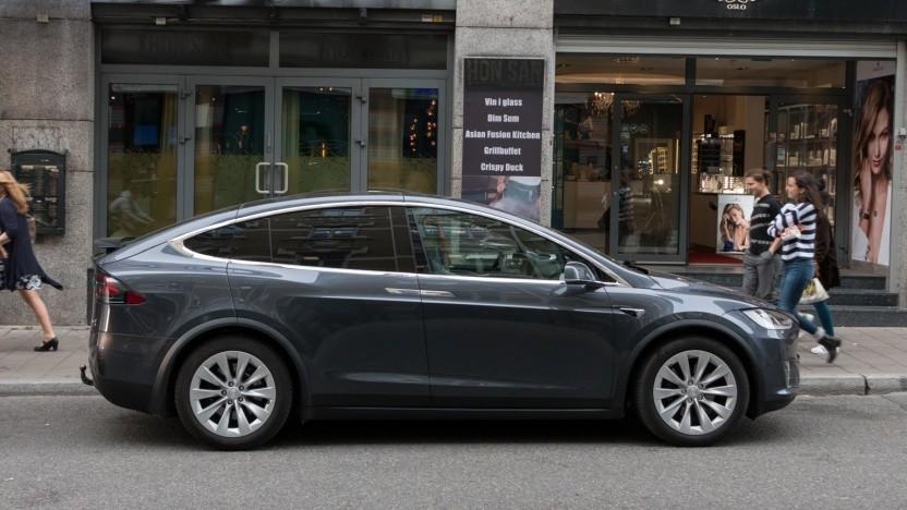 Tesla Model X: James Bond lässt grüßen.