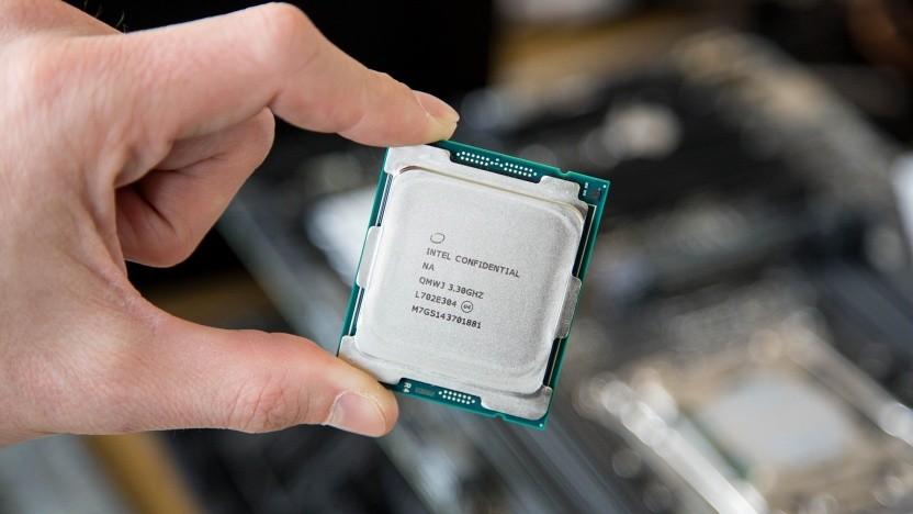 Ein Core i9-7980XE, die erste Extreme Edition mit i9-Bezeichnung