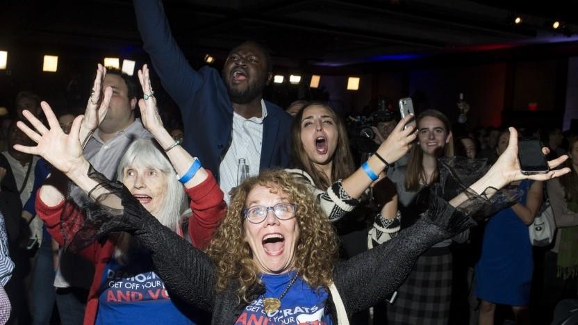 Begeisterte Anhänger der US-Demokraten am Wahlabend