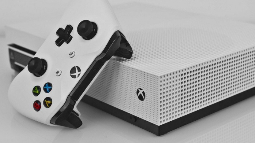 Die aktuelle Xbox One S wird überarbeitet.