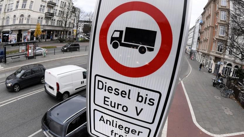 Dieselfahrverbote gibt es bereits in Hamburg.
