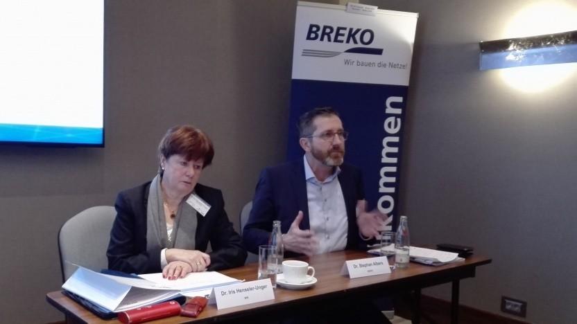 Iris Henseler-Unger vom WIK (l.) und Breko-Geschäftsführer Stephan Albers