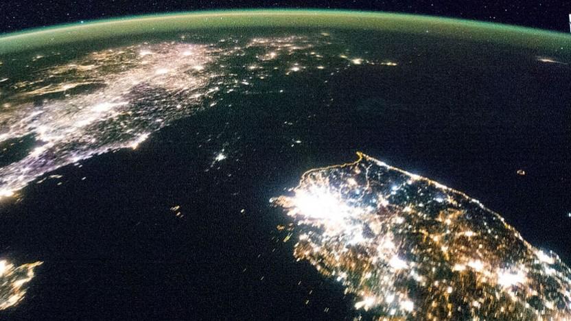 Dunkel und hell: Nord- und Südkorea bei Nacht, aufgenommen von der ISS aus