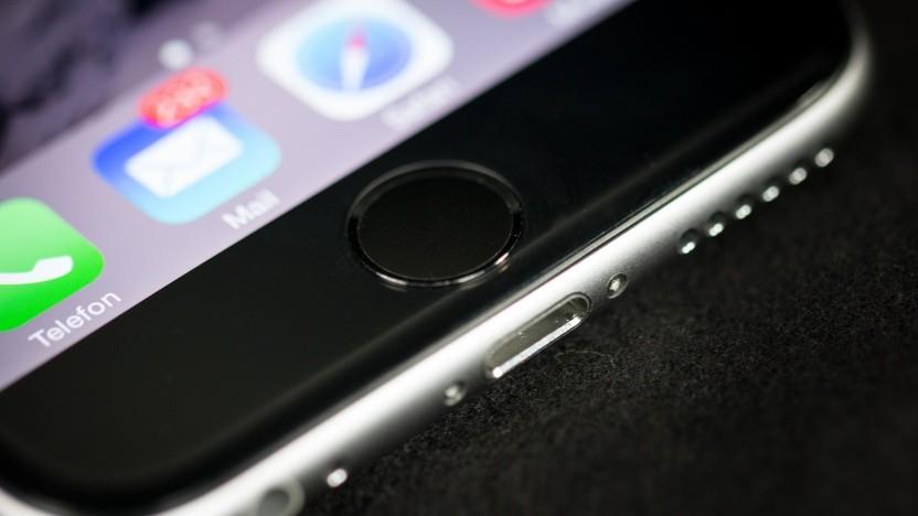Betroffen sind iPhones mit Fingerabdrucksensor.