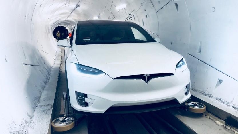 Tesla Model X im Tunnel The Loop: nur für autonom fahrende Elektroautos.