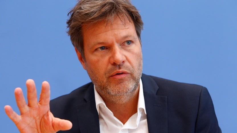 Grünen-Chef Robert Habeck steigt bei Twitter und Facebook aus.