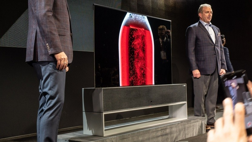 LGs ausrollbarer Fernseher Signature OLED TV R
