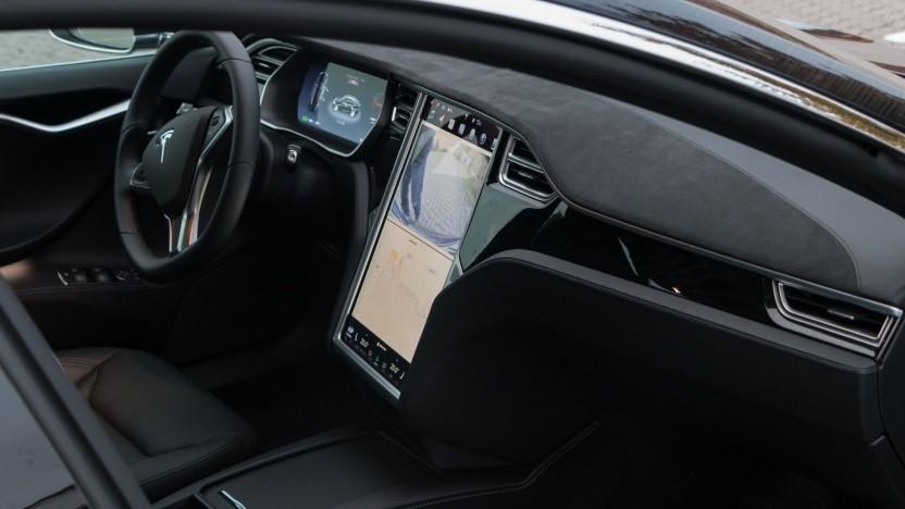 Interieur des Tesla Model S (Symbolbild): gefährlicher Beifahrer-Airbag