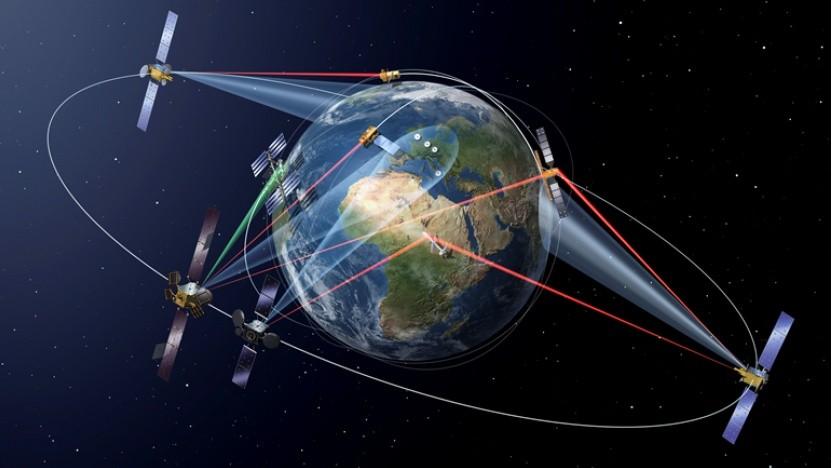 Datenübertragung per Laser aus dem All (Symbolbild): Facebook kooperiert mit DLR-Ausgründung.