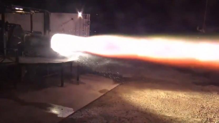 Zündung des Raptor-Triebwerks: Der erste Flug des Spaceship-Prototyps soll in Kürze stattfinden.
