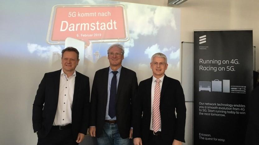 Stefan Growe, Key Account Manager Telekom Deutschland; Oberbürgermeister Jochen Partsch, Stadt Darmstadt; Mathias Poeten, SVP Technology bei der Deutschen Telekom (von links nach rechts)