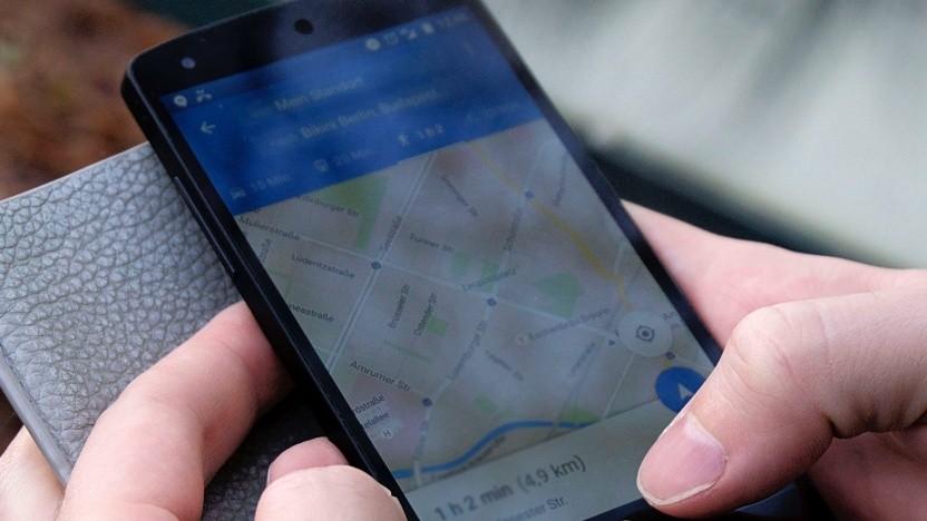 Google Maps soll künftig auch AR-Funktionen für Fußgänger bieten.