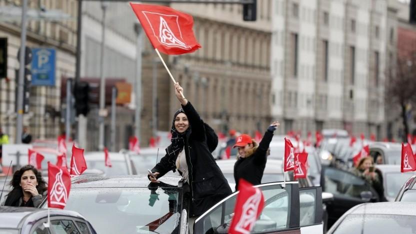 Proteste von Arbeiterinnen bei der US-Botschaft