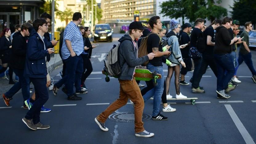 Spieler mit Pokémon Go in Hannover