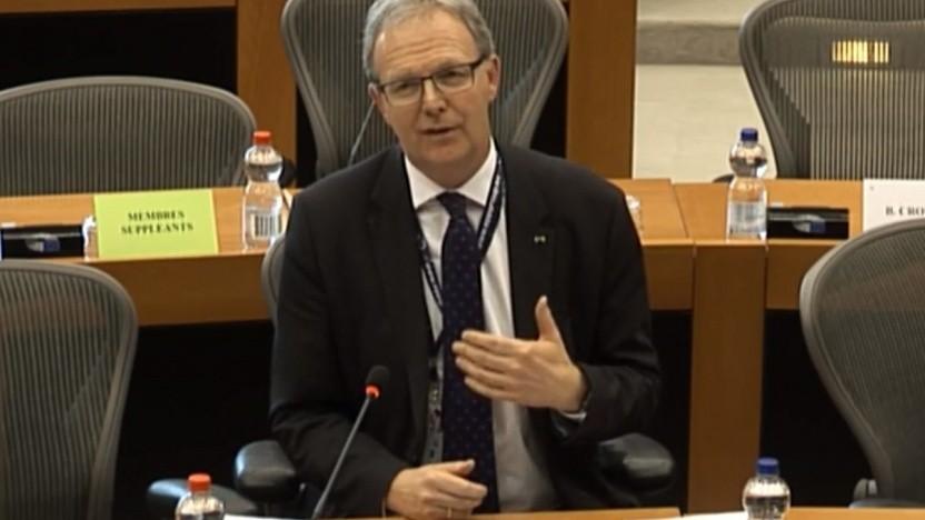 Axel Voss erläutert im Europaparlament den Kompromiss zur Urheberrechtsreform.