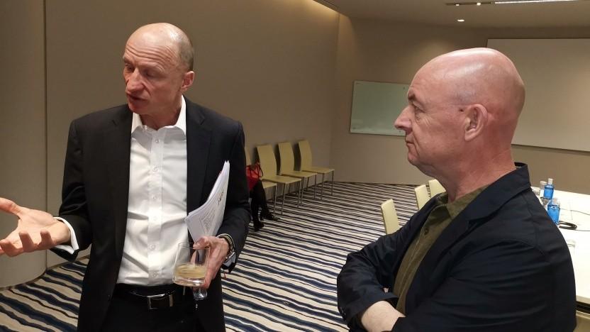 Sunrise-Chef Olaf Swantee (links), Globaler Huawei-Pressesprecher Daniel Joseph Kelly (rechts)