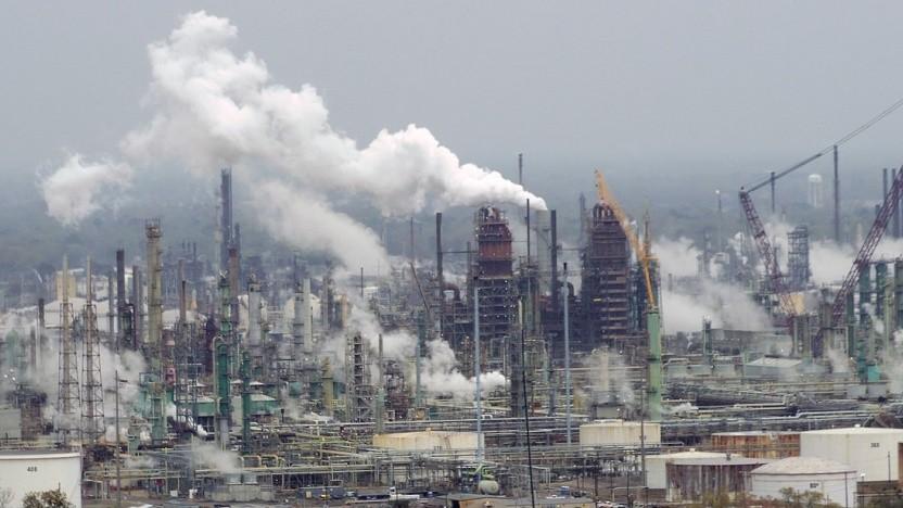 Die großen IT-Konzerne geben sich gern umweltfreundlich, doch sie verdienen auch bei der Ölförderung mit.