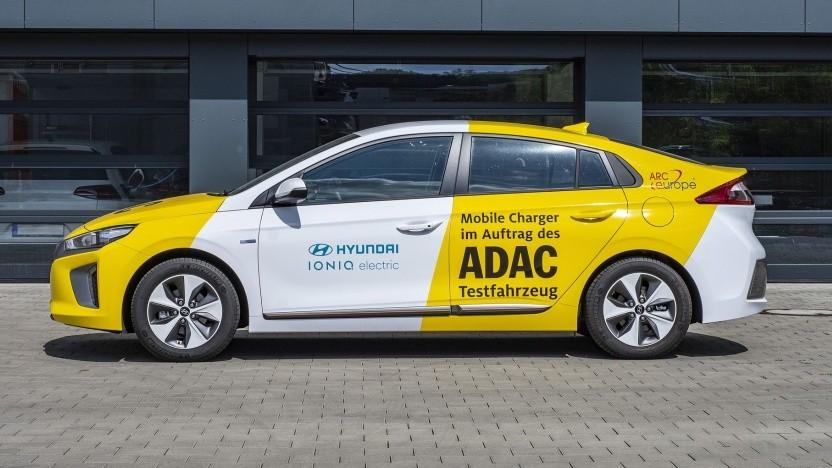 Elektrisches Pannenhilfe-Auto des ADAC: Sicherheitsmechanismus verhindert eigenes Liegenbleiben.