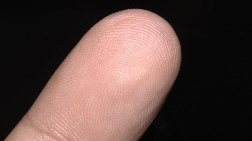Das Thema Fingerabdruck in Personalausweisen steht wieder auf der politischen Agenda.