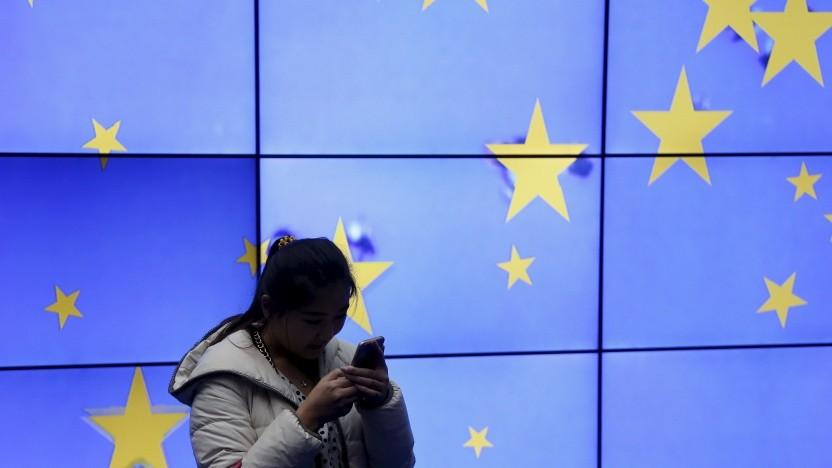 Besucherin im Gebäude des EU-Ministerrats in Brüssel