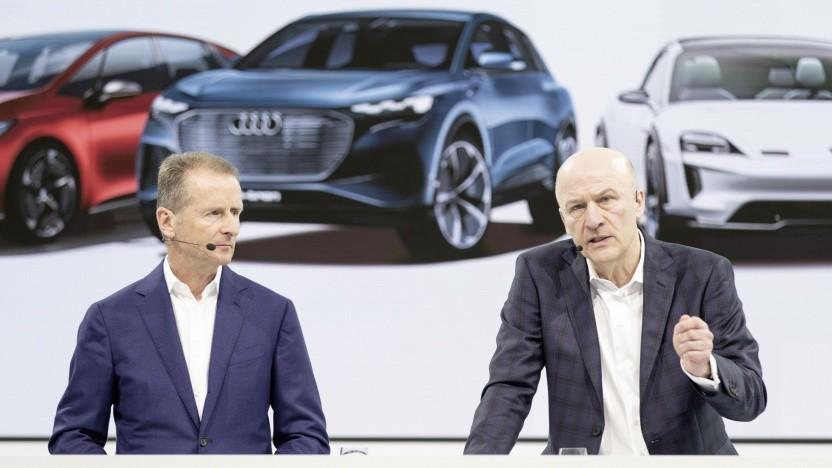 Herbert Diess (l.), Vorstandsvorsitzender Volkswagen, und Frank Witter, Vorstand Finanzen und IT