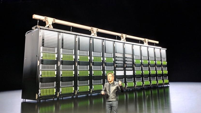 Nvidia-CEO Jensen Huang stellt RTX-Server für Geforce Now vor.
