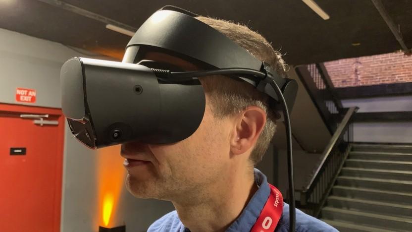 Golem.de mit einem Vorserienmodell der Oculus Rift S