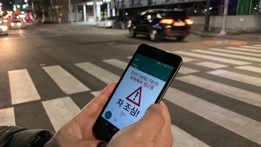 Warnung auf dem Smartphone gegen steigende Zahl an Verkehrsunfällen