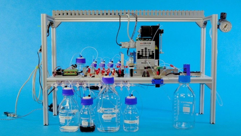 Automatisierter DNA-Speicher: handelsübliche Laborausstattung