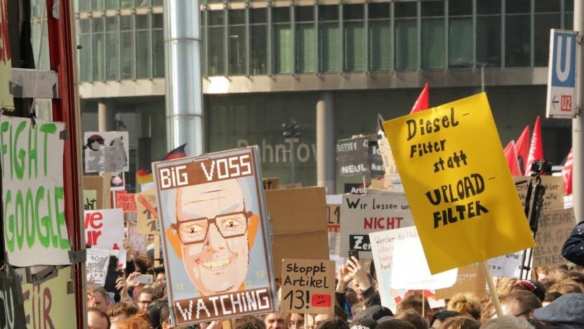 Tausende Demonstranten fordern einen Stopp der Uploadfilter.