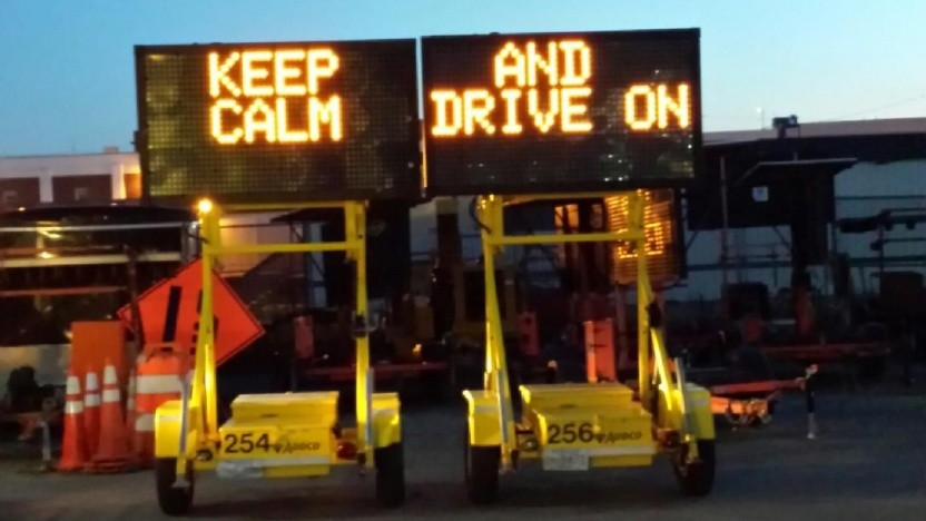 Hinweis auf ruhiges und diszipliniertes Fahren (Symbolbild): Autos mit Sensoren ausgestattet